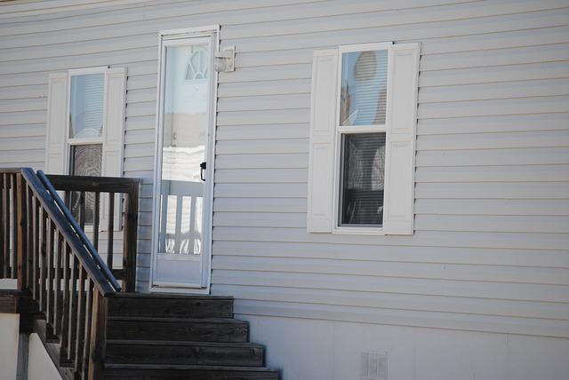 schody, zábradlí, dveře, okna