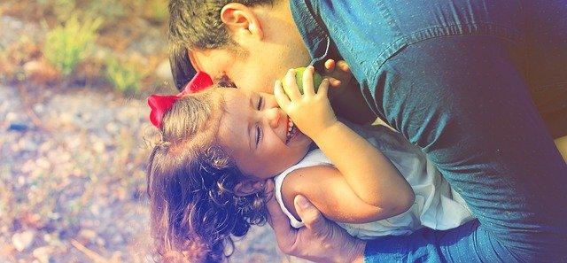objetí s dceruškou