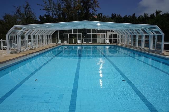 bazén bez lidí