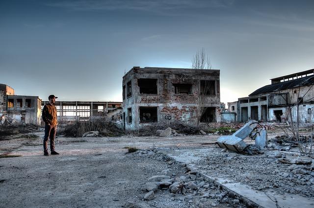 zničená továrna